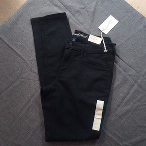 NWT mid rise jegging